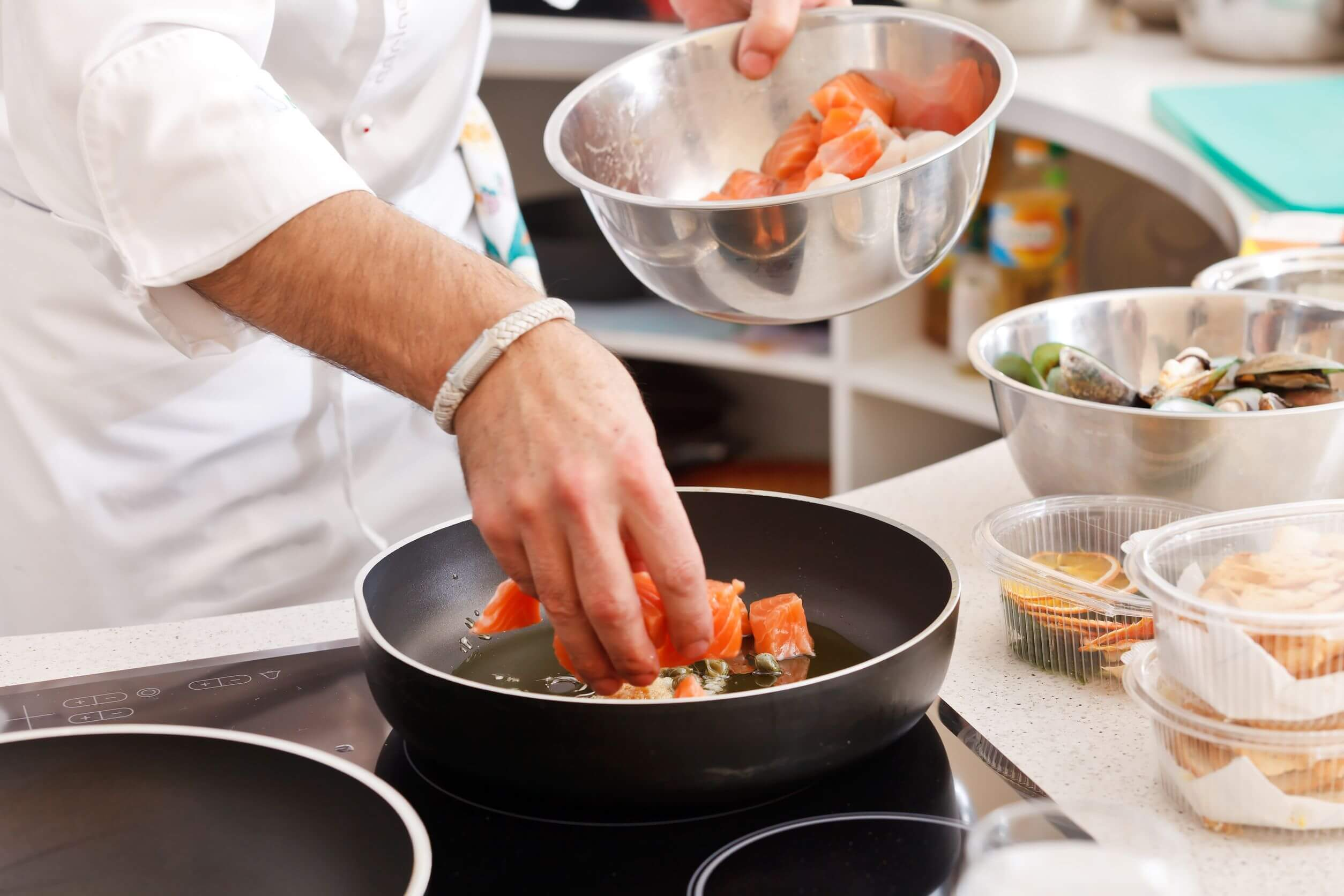 Cuisiner le poisson le marche aux poissons fecamp for Poisson a cuisiner